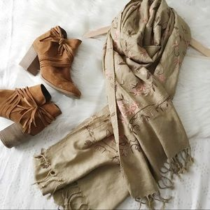 Floral Embroidered Fringe Scarf
